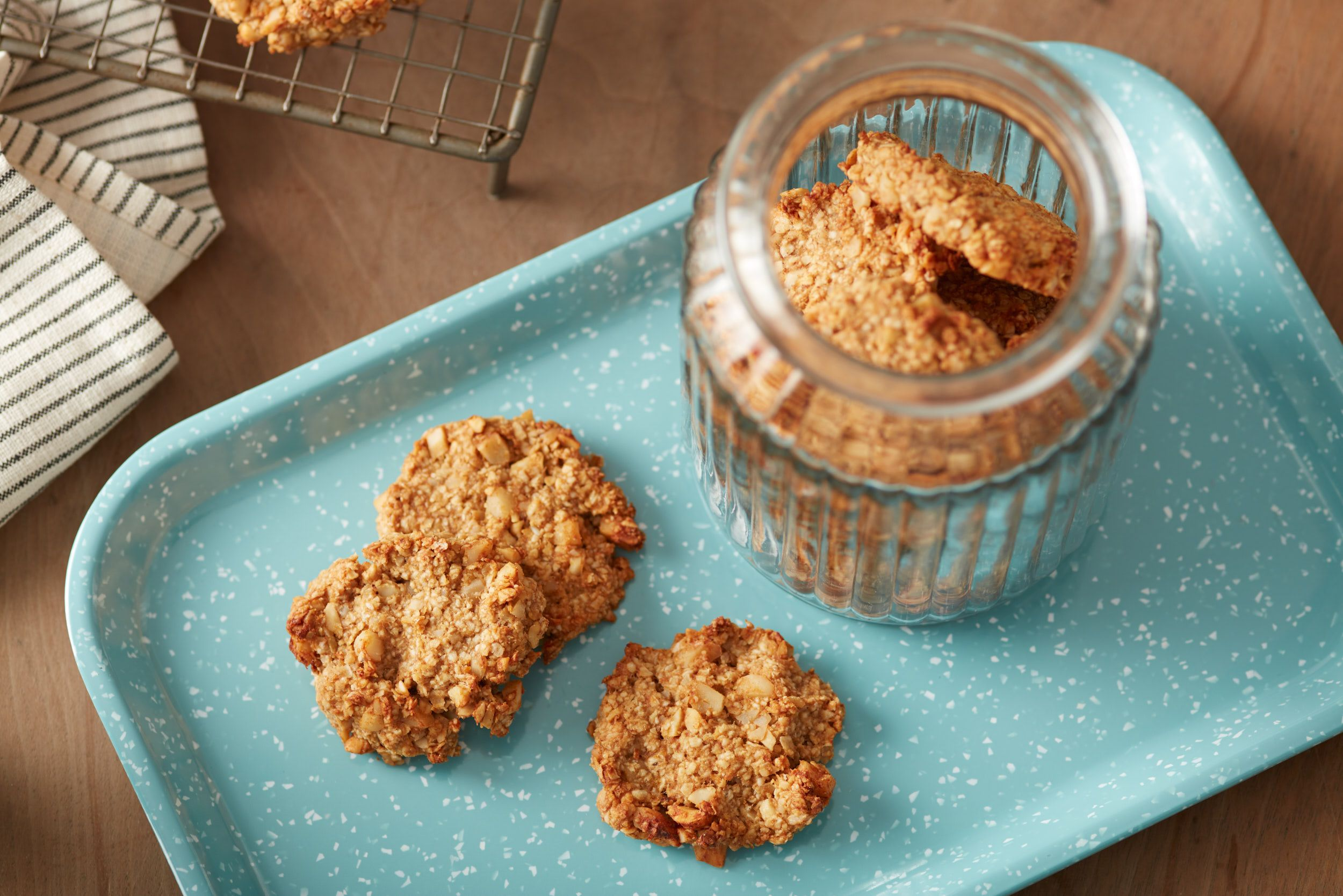 {Peanut Butter Banana Oatmeal Breakfast Cookies}