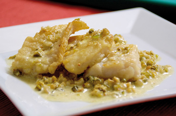 Fish with Cashews, Pistachios and White Sauce