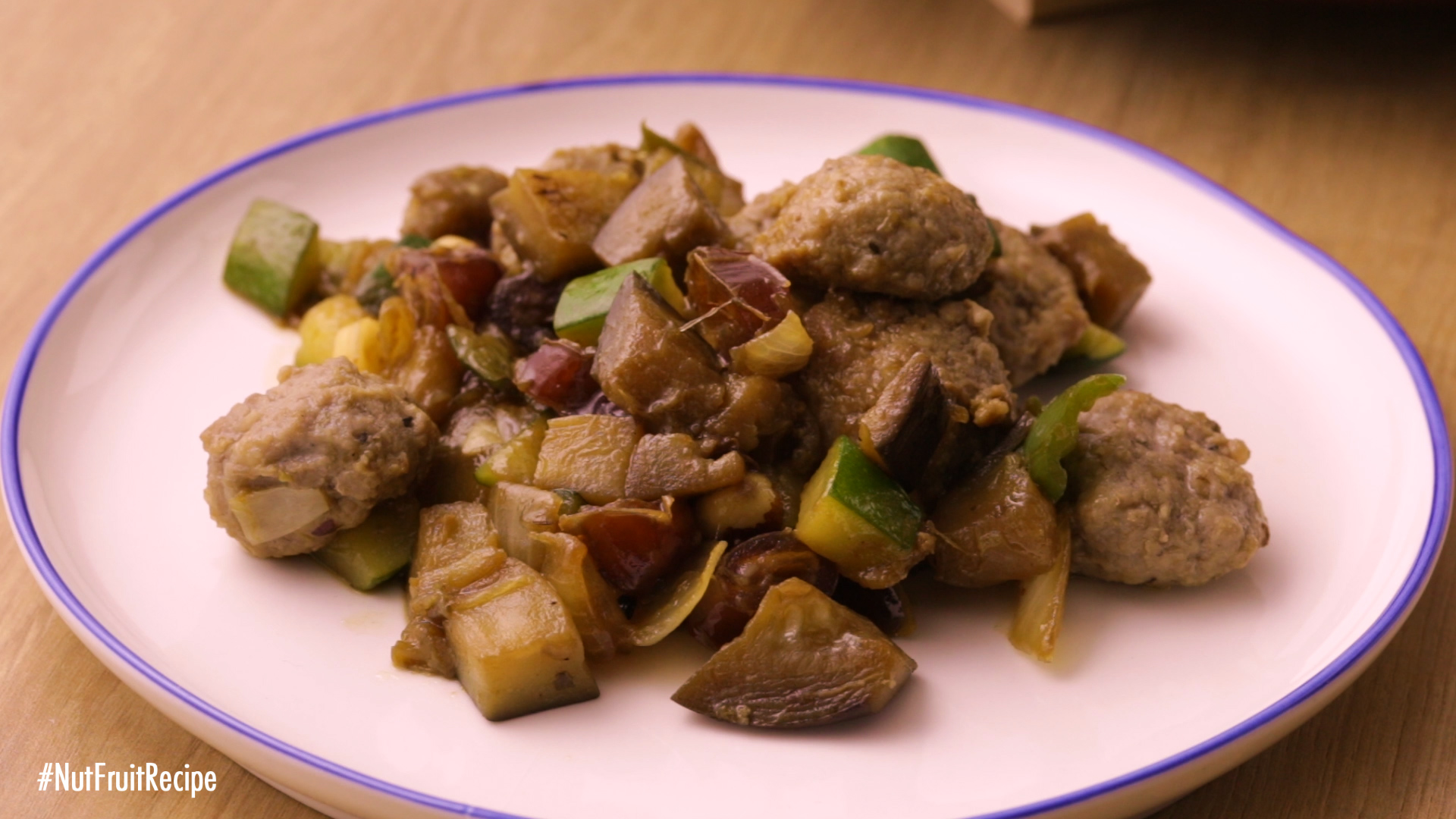 {Fried meatballs and vegetables}