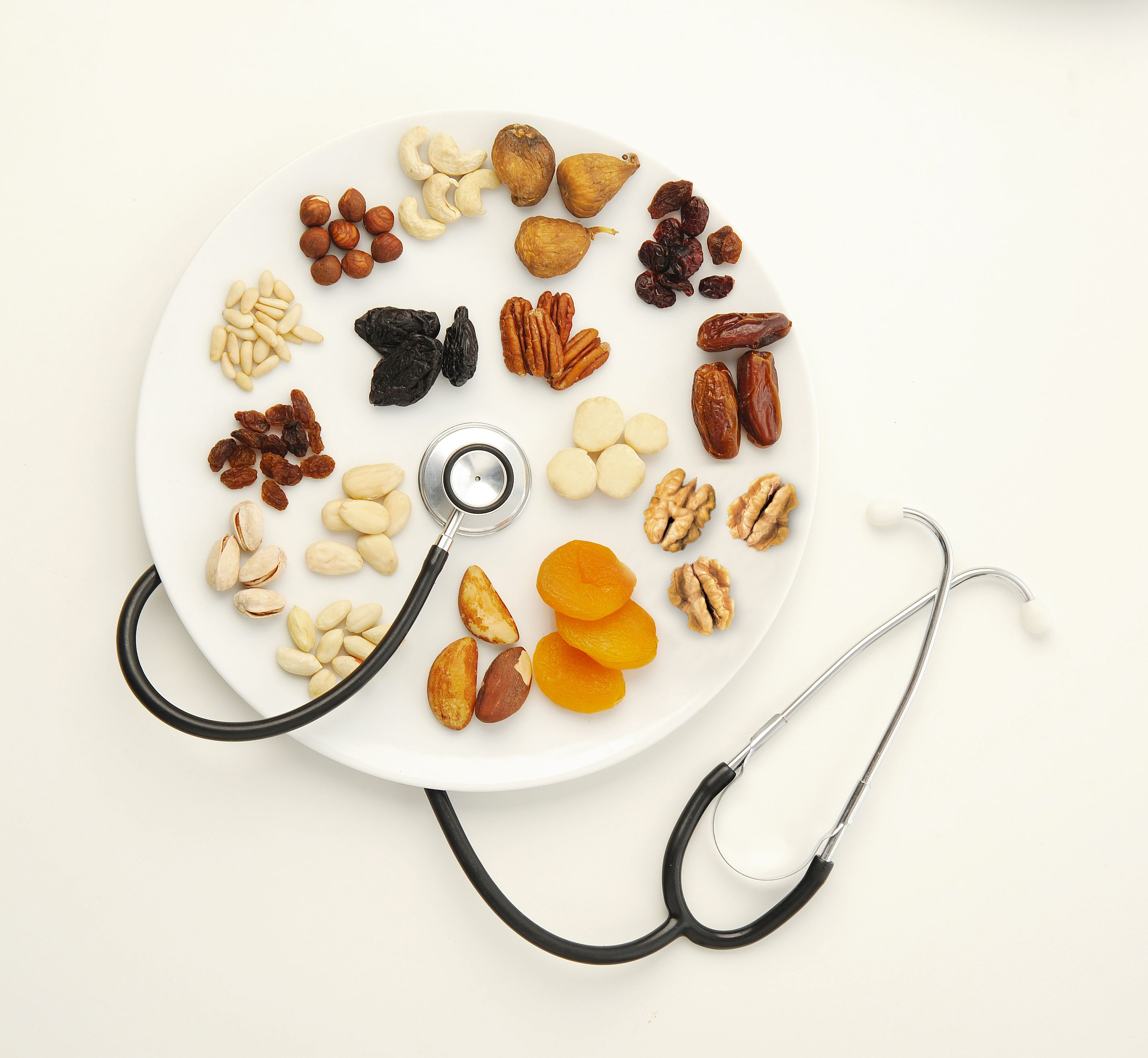 Want to Improve Your Intestinal Health? Eat Nuts and Dried Fruits!