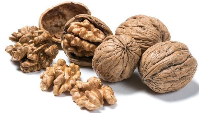 Walnut Consumption and Cognitive Function in Older Adults